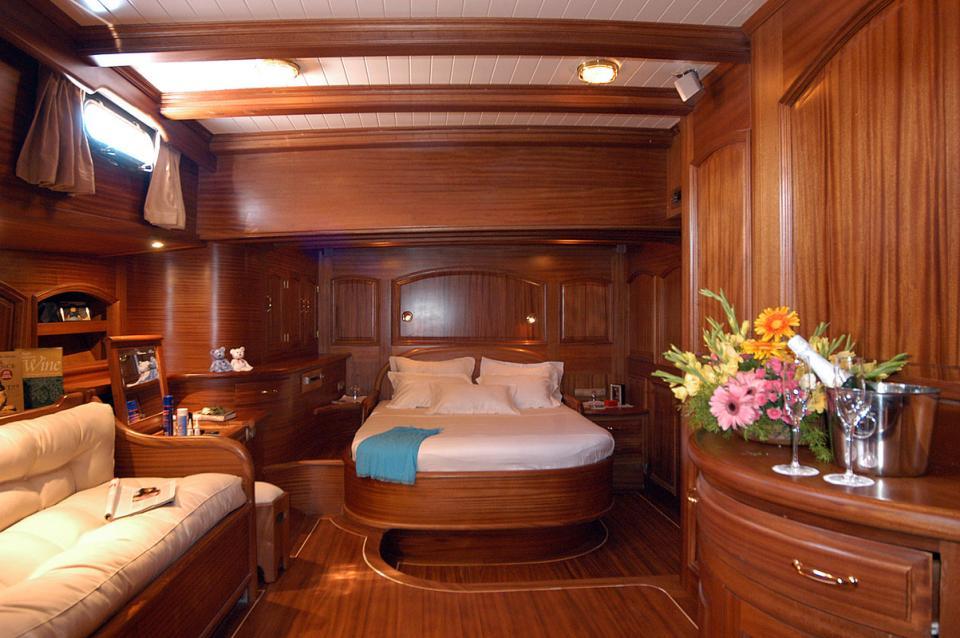 Caicco nozze e luna di miele hotel queen of karia vacanze e noleggio - Yates de lujo interior ...